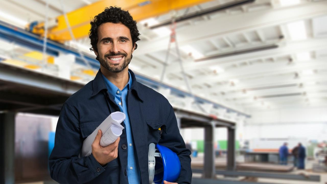maestras-para-aumentar-tu-competitividad-y-obtener-mejores-oportunidades-laborales-619554131.jpg