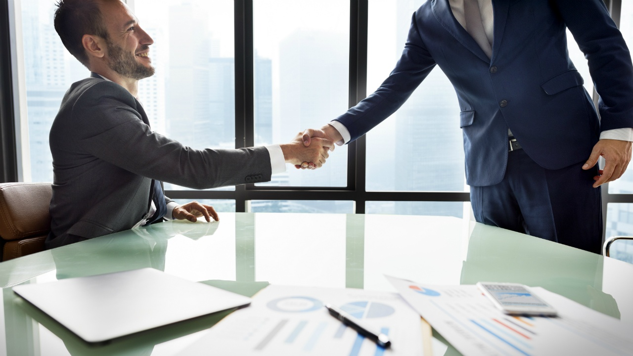 maestrias-para-aumentar-tu-competitividad-y-obtener-mejores-oportunidades-laborales-526889362.jpg