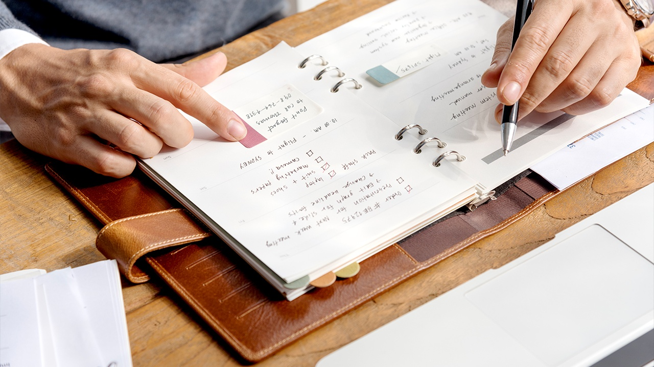 tips_planificar_tiempos_maestria_online_4escribir lo que necesitas lograr cada día