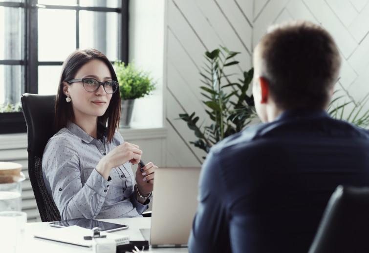 ¿Cómo responder a una entrevista laboral de manera asertiva?